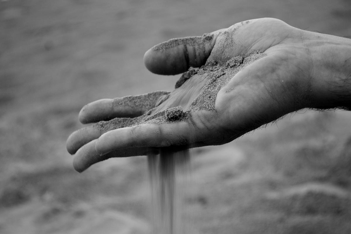 Come sabbia tra le dita