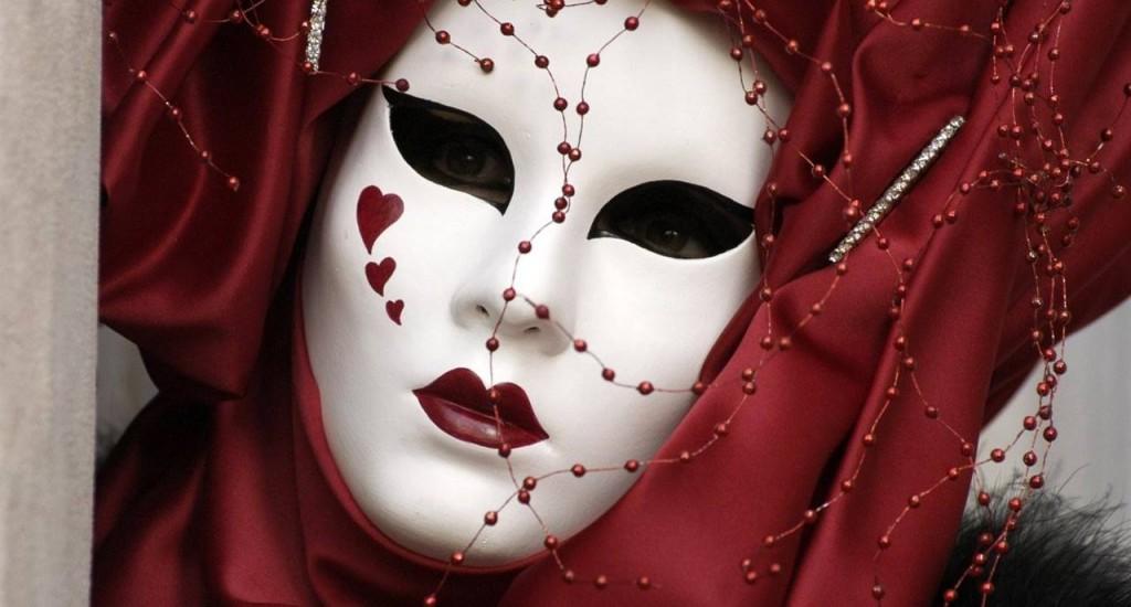 Le maschere e il volto