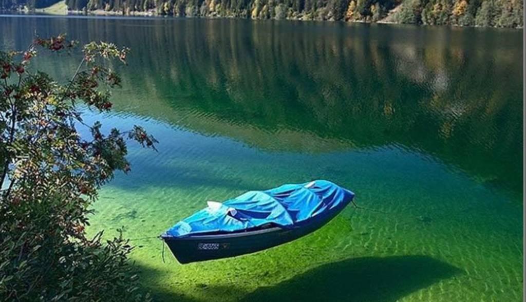 Un lago limpido