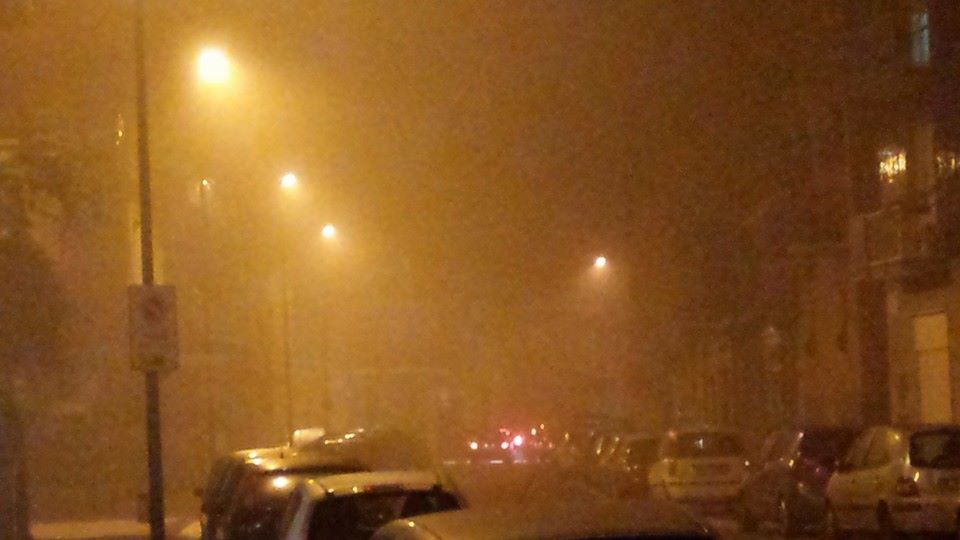 La nebbia bagnata